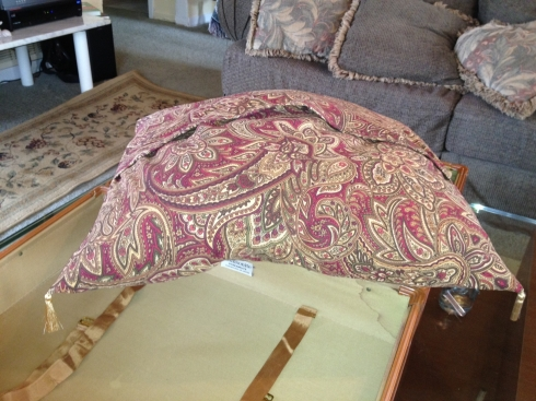 PILLOWCASE-FINISHED COVER W TASSELS
